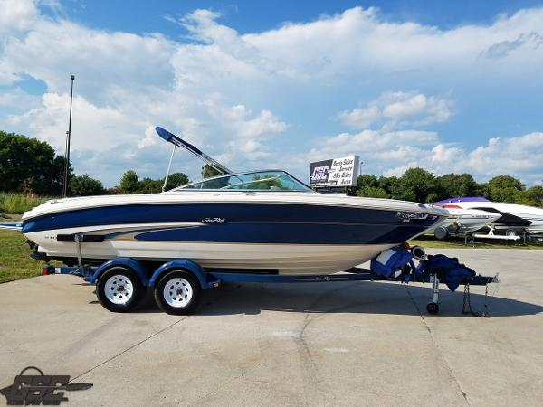 Sea Ray 210 BR Open Bow