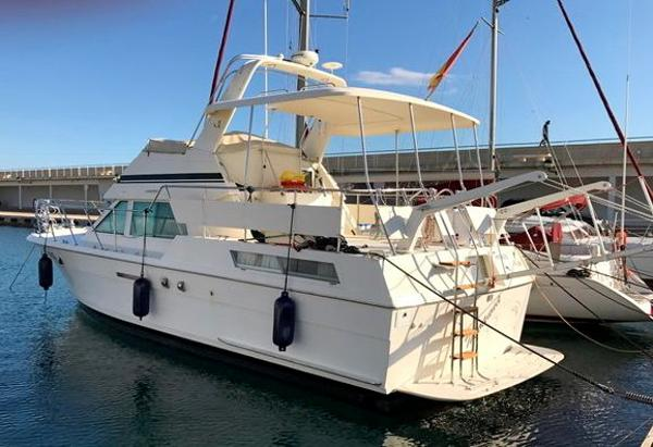 Hatteras 40 berthed