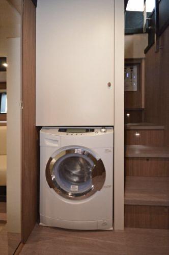 Hallway Washer Dryer & Storage