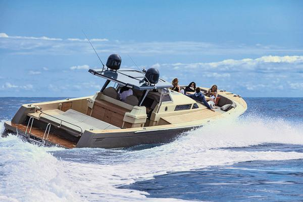 Moonride Runabout 43 Manufacturer Provided Image