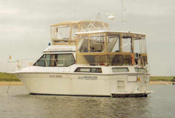Chris-Craft Catalina 372 Photo 1