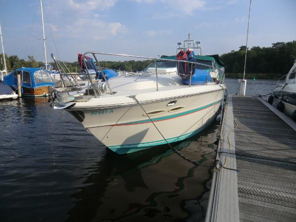 Sea Ray 390 EC Express Cruiser Berlin