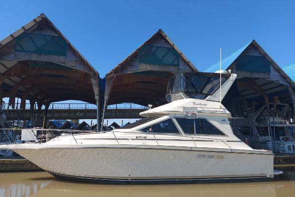 Sea Ray 345 Sedan
