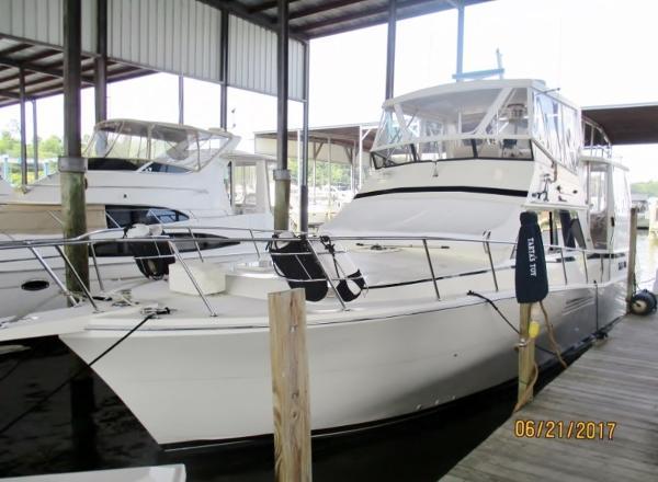 Viking 44 Motor Yacht Viking 44 Motor Yacht
