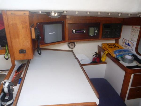 J/39 - Chart Table