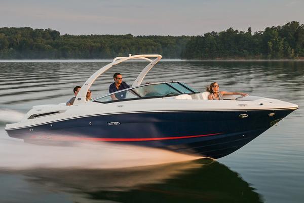 Sea Ray 250 SLX Manufacturer Provided Image
