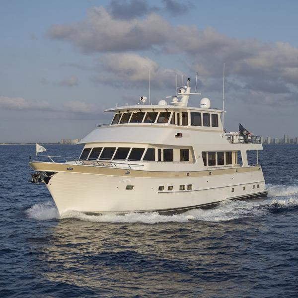 Outer Reef Yachts 860 Deluxbridge Skylounge