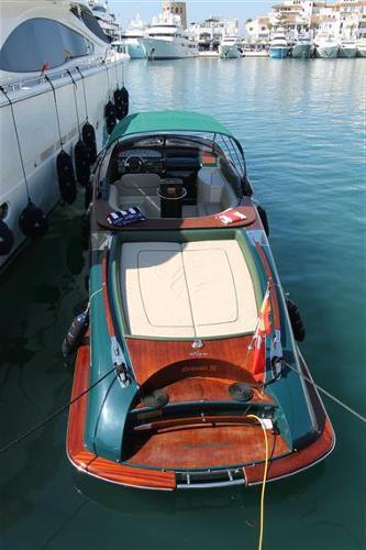 Riva Aquariva 33 Riva Aquariva 33 exterior