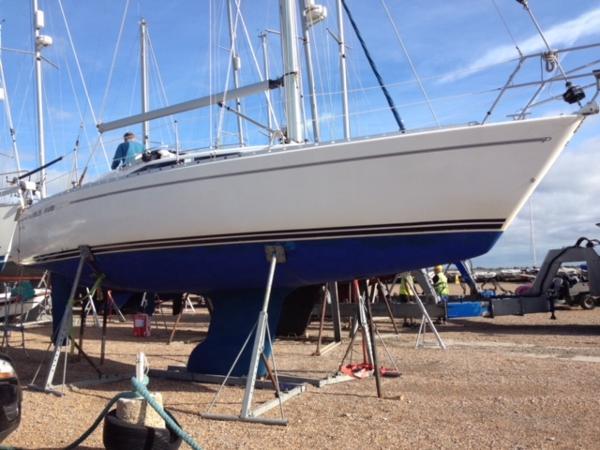 Maxi 1000 Sunfish Ashore