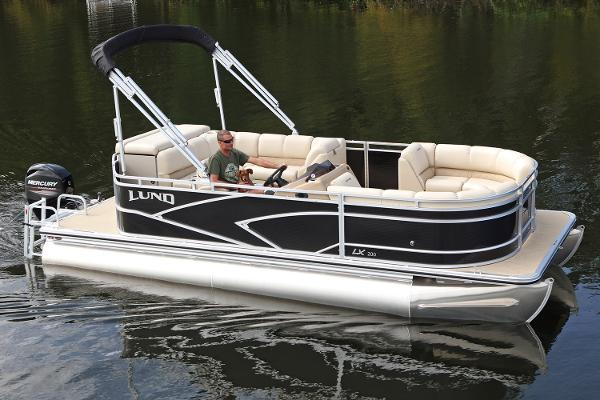 Lund LX240 Pontoon Cruise