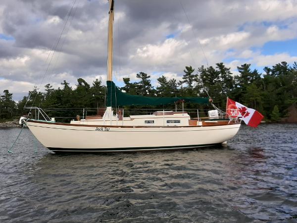 Custom 28' wooden sloop