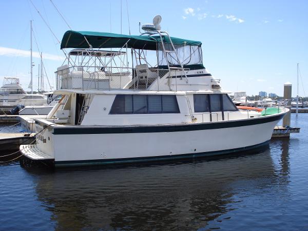 Mainship Pilot House Starboard Side Shot #2
