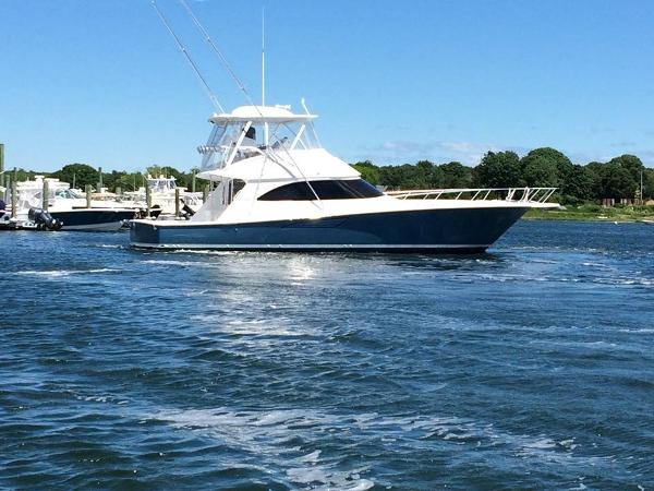 Viking 52 Convertible 52 running