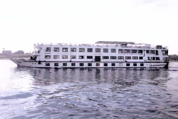Custom Floating Hotel / River Boat