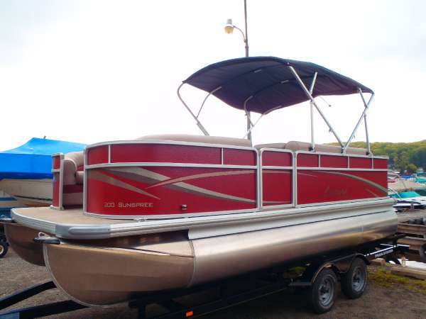 PREMIER BOATS Leisure SunSpree 200