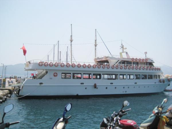 42 m Excursion vessel /Side  view