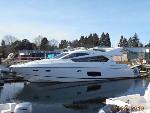 Sunseeker Manhattan 63 Port Side