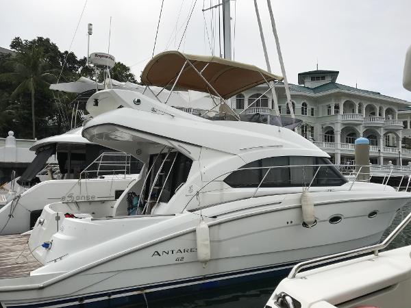 Beneteau Antares 42 Star Board view