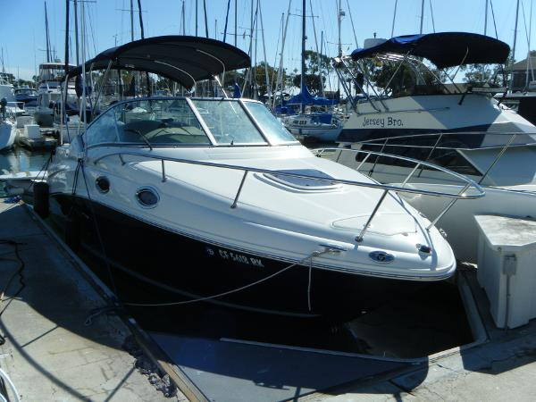 Sea Ray 240 Sundancer Starboard Side View