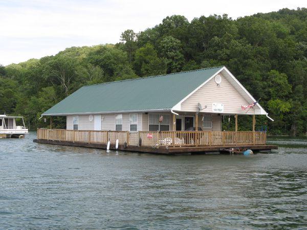 CUSTOM BUILT 24 x 36 Floating Cottage (1088sqft)