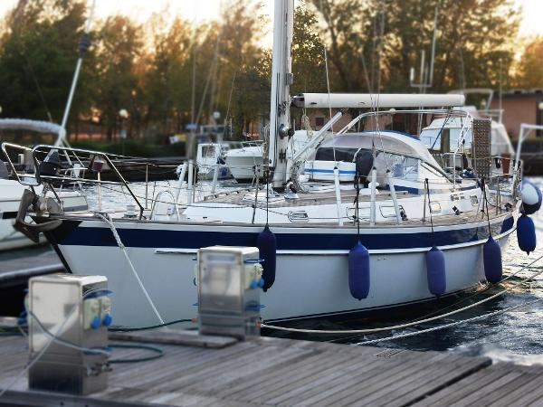 Hallberg-Rassy HR 42 - HR42 Abayachting Hallberg Rassy 42 usato-second hand 1