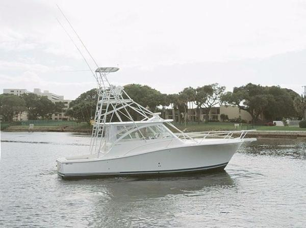 Luhrs 41 Open Express Profile