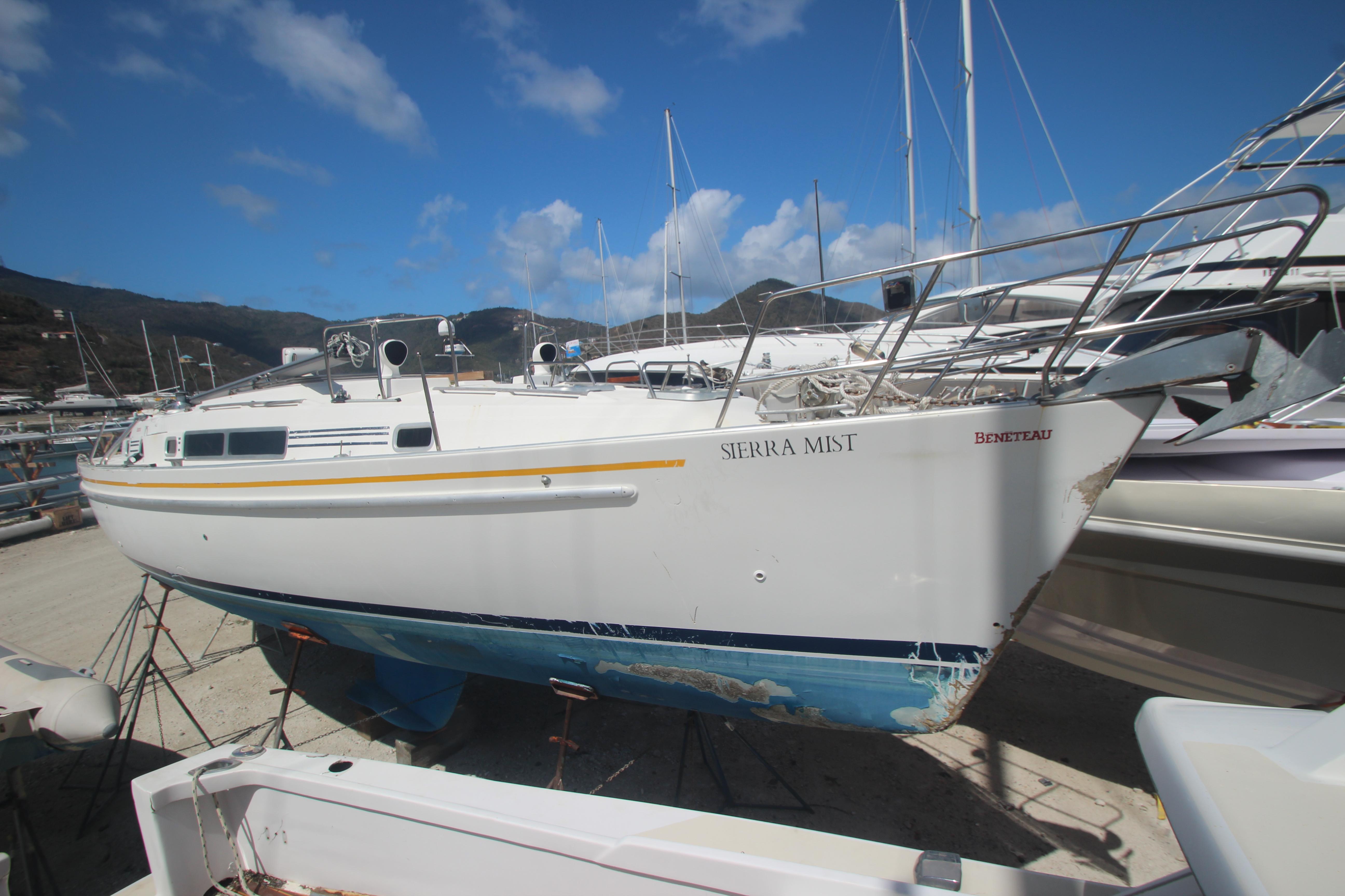 Beneteau Oceanis CC Sierra Mist Hull