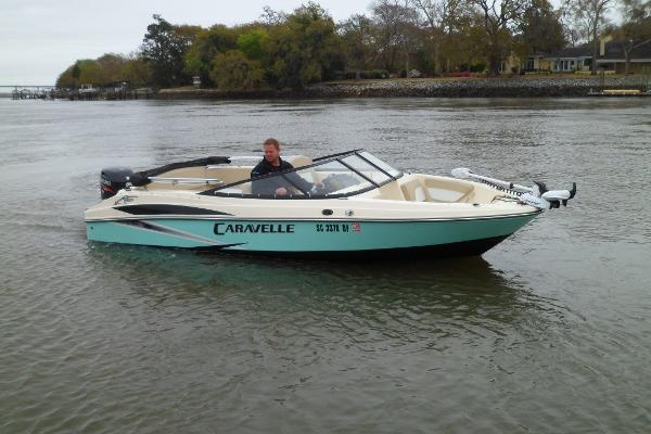 Caravelle 19 EBo Bowrider STARBOARD UNDERWAY