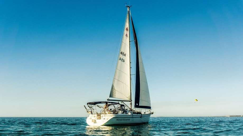 Catalina 350 MkII Under sail