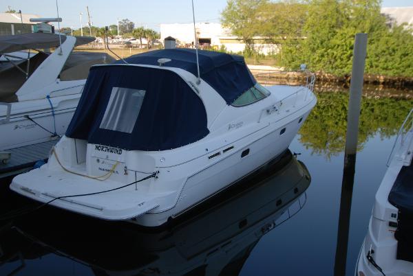 Cruisers Yachts 3375 Esprit