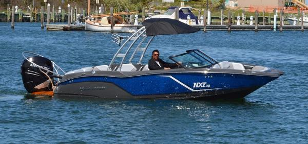 Mastercraft NXT 20 Outboard