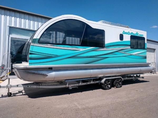 Houseboat 28'ft Trailerable Houseboat