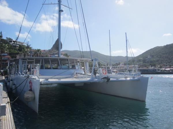 H2X Maxi Day Charter Cat