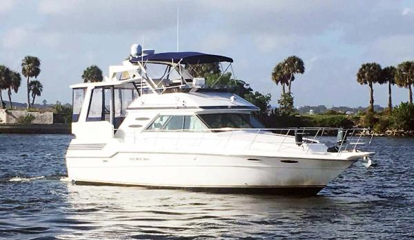 Sea Ray 415 Aft Cabin Profile