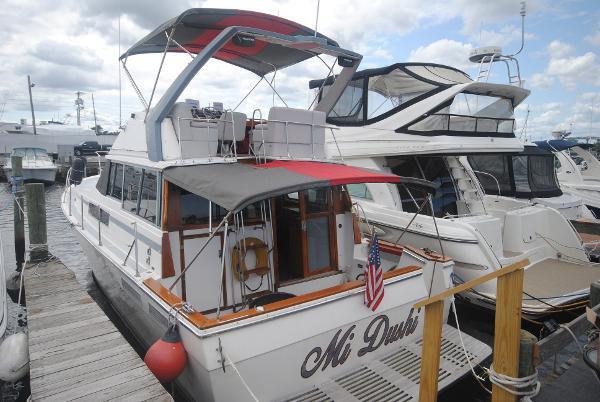 Bayliner 3888 Motoryacht Aft View