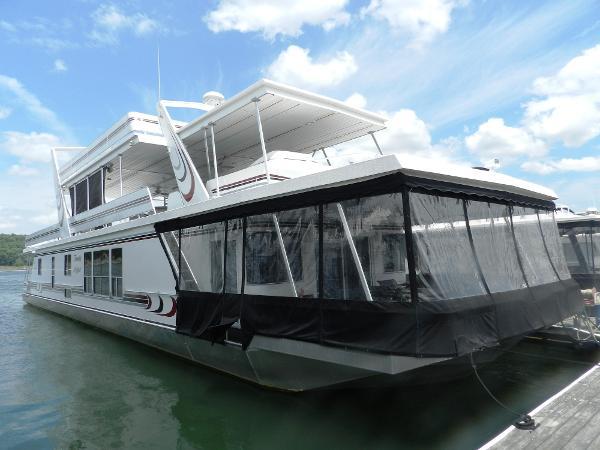 Sunstar 20' x 97' Houseboat Family Affair starboard side