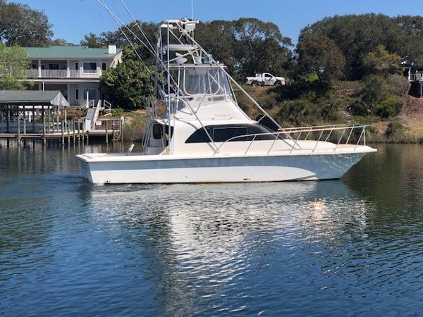 Perfection Boats 38 Convertible