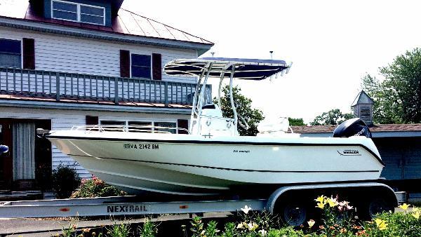 Boston Whaler 210 Outrage