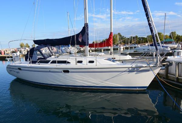 Catalina 320 MkII Dockside