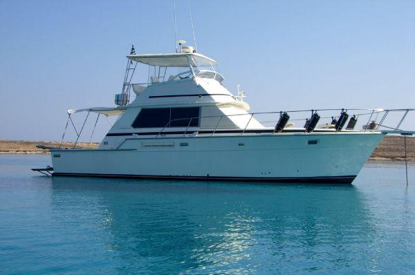 Bertram 42 Flybridge Motor Yacht Exterior