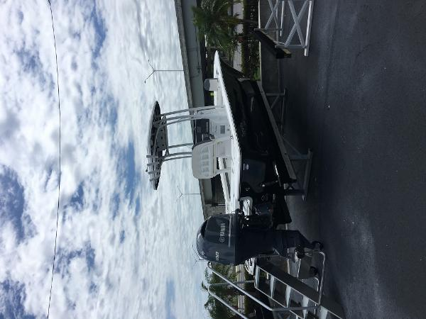Tidewater Boats 2500 Carolina Bay
