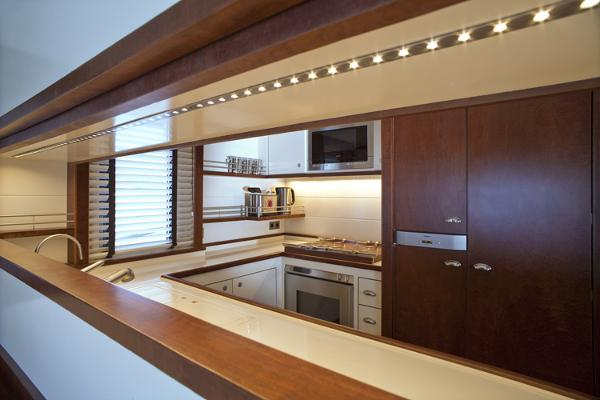 President 660 Expedition galley