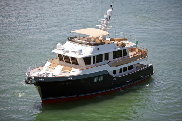 PRESIDENT YACHTS Explorer  President 660 Expedition side
