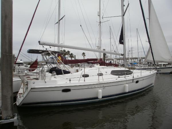 Hunter 45 Deck Salon