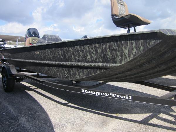 Ranger MPV 1760