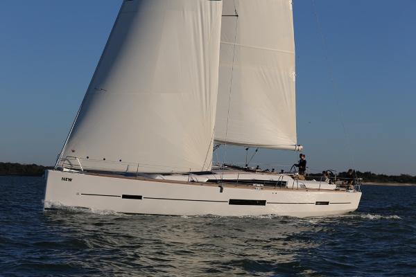 Dufour 520 GL Dufour 512 GL Sailing