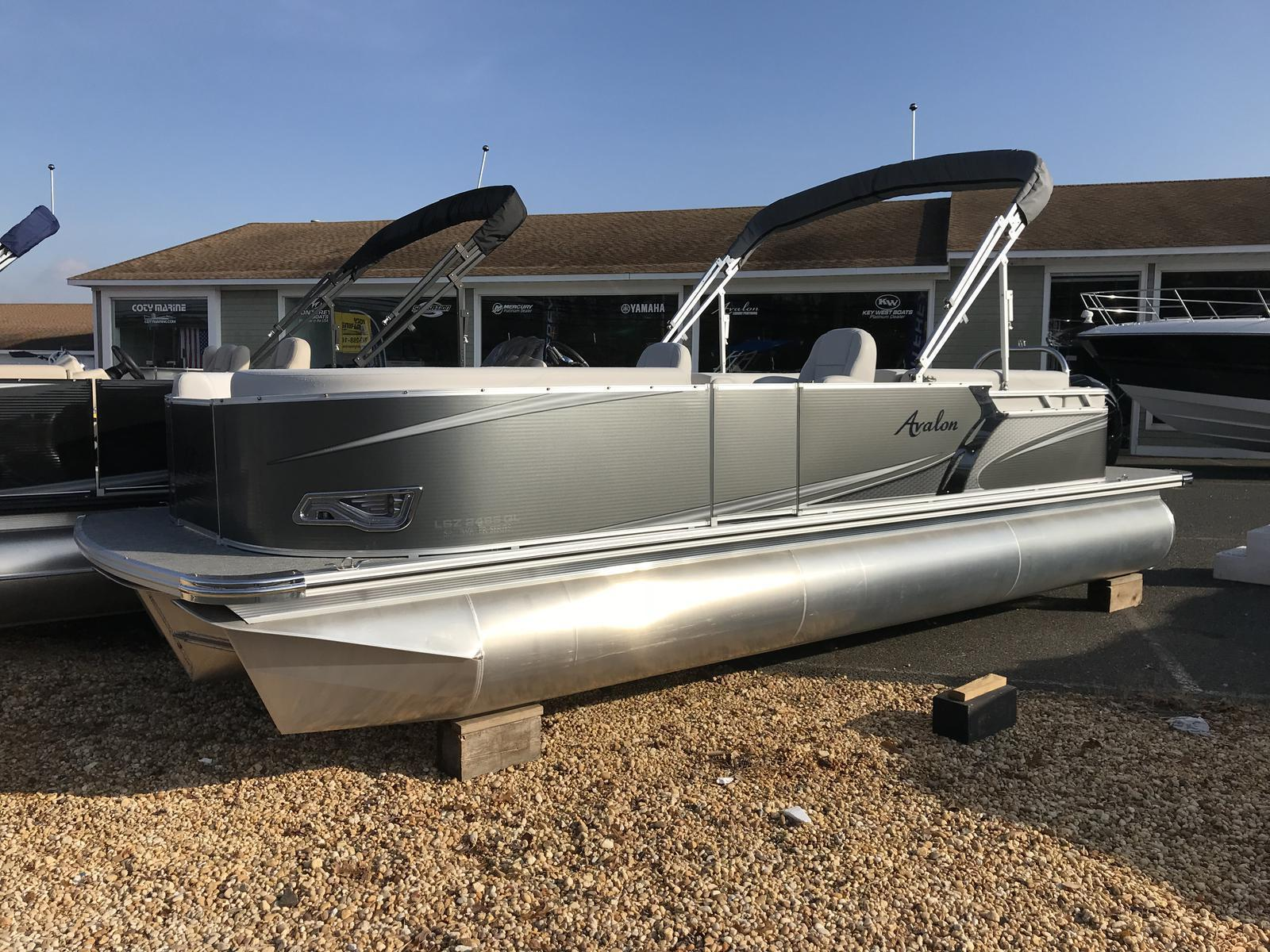 Avalon LSZ 2485 Triple Pontoon