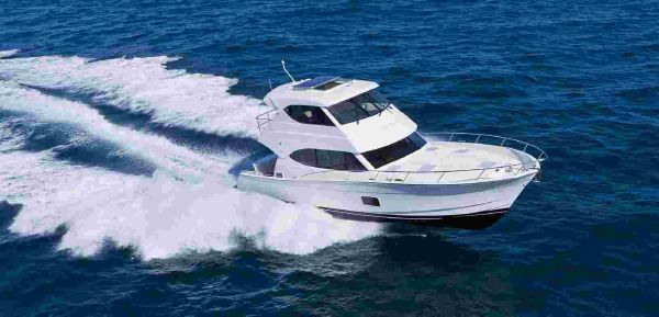 Maritimo M48 Running Side Profile