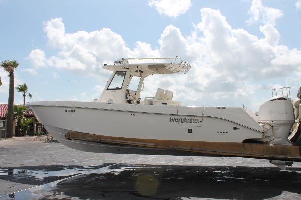 Everglades Boats 320 Cc