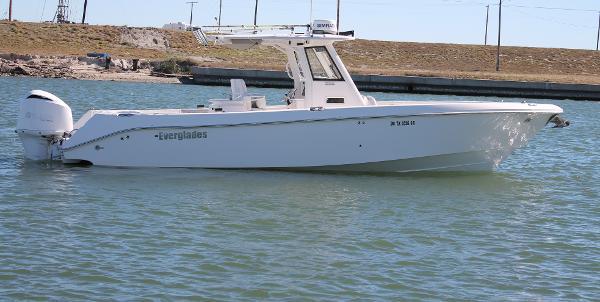 Everglades 320CC